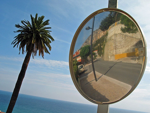 Menton Reflection