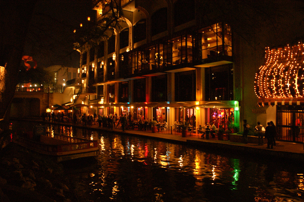 Riverwalk_01