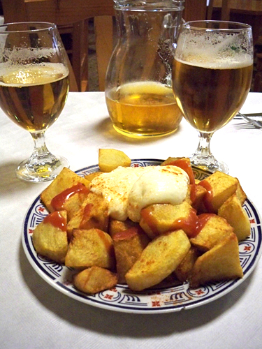 patatas-bravas-in-Navajas