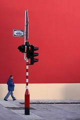 Rue des Trevires (Gwenaël Piaser) Tags: luxembourg luxemburg lussemburgo lëtzebuerg rue trevires bonnevoie canon eos 50d sigma 50mm 50mmf14exdghsm rgmfc aplusphoto street superaplus beautiful vividstriking gwenflickr 1000 city ville prime