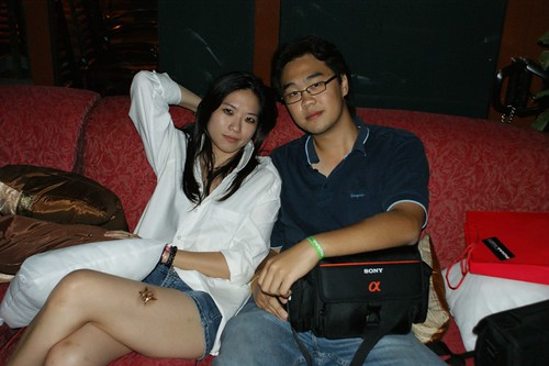 Hot girl and Hwei Ming