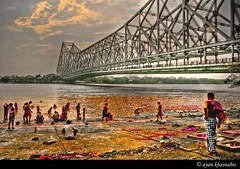 Holi | Ganges (A y A n) Tags: street bridge red people india west color colour festival canon fun rebel experiment holi kolkata bengal hdr calcutta bangla kws bengali ayan howrah banga xti 400d khasnabis ayancoin kws220308esplanade kolkataweekendshoots