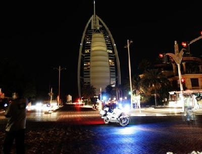 Earth Hour in Dubai: Burj Al Arab in darkness