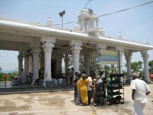 ஏரிக்குப்பம் சனீஸ்வரர் கோவில்