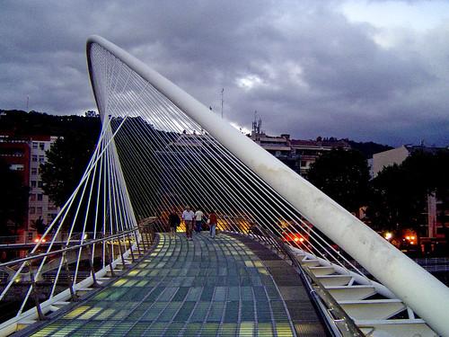 Campo Volantín footbridge, Bilbao, Spain, by jmhdezhdez