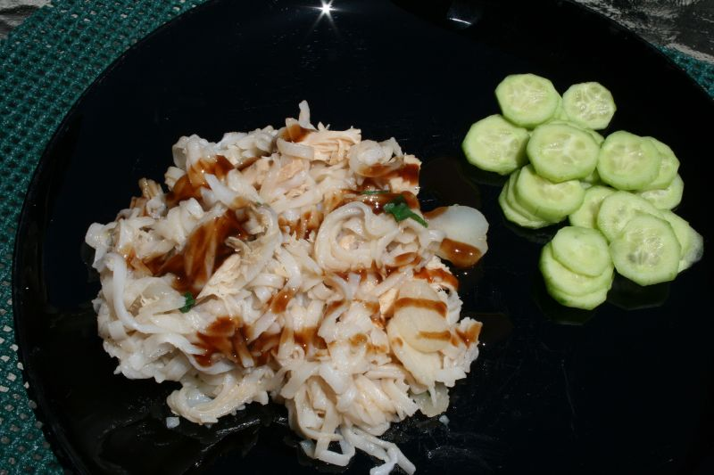 Rice Noodles with Bulldog sauce