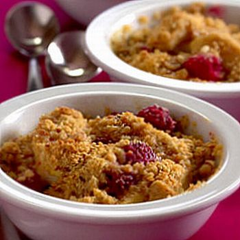 raspberry-almond-oat-crumble