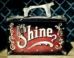 Shine Box (raelala) Tags: nyc lightroom 50mmf18 billysantiquesandprops