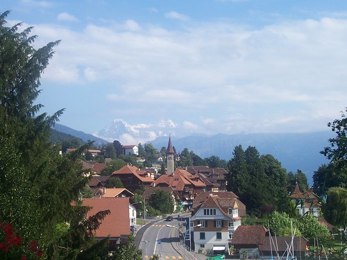 Hünegg and mountains in the distance