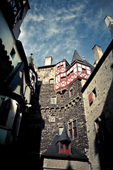 Surrounded by the Middle Ages (Pascal Hertleif) Tags: house building castle architecture burgeltz haus architektur ausflug geb burg gebude