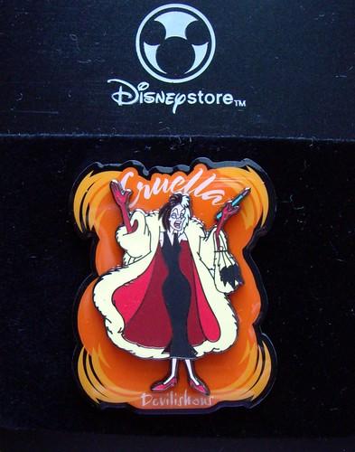 Disney Store Cruella DeVil pin