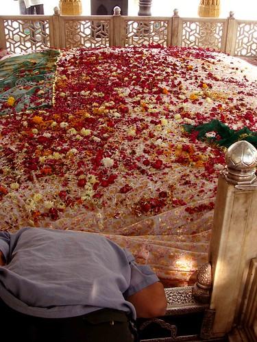 The dargah of Khwaja Qutubuddin Bakhtiyar Kaki, Mehrauli