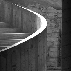 IMGP5219 (Peter Guthrie) Tags: norway museum architecture modern spiral concrete norge 60s ramp stair modernism ramps norwegian fehn hamar scandinavian arkitektur hedmark domkirkeodden sverrefehn hedmarksmuseet boardmarked