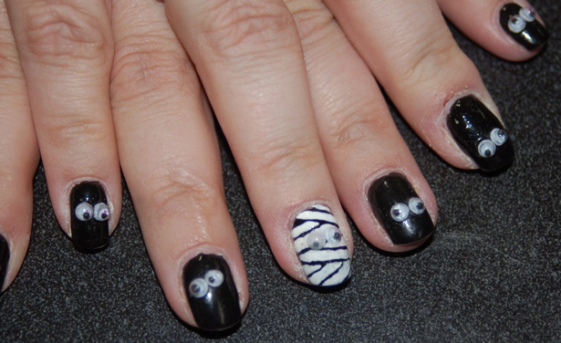 halloween_finger_nails_lori_s