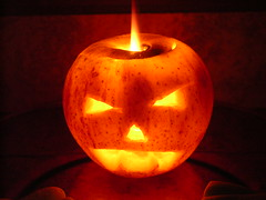 Proteo & Renovao (JuCa     Mmm   ) Tags: luz halloween jack jackolantern samhain vela bruxa ma bruxaria paganismo colorphotoaward olantern