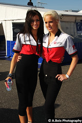Lloyds British Promo Girls (Adam Boix) Tags: girls canon promo british hatch 2008 lloyds brands bsb superbikes 40d