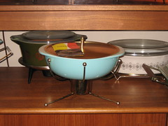 Pyrex Turquoise Casserole & Retro Stand
