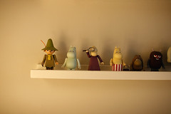 the moomin gang go forth (famapa) Tags: london home toys moomins shelves mumin canoneos400d