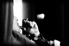 He heredado el vicio de ... (Perolo Orero - www.orerofotografia.com -) Tags: life autumn light cats man black love blancoynegro blanco luz valencia monochrome leaves cat hojas clamp gris monocromo nikon feline amor cigarette smoke fear negro gray gatos gato vida memory target felino otoño 28 fx scare fumar tobacco miedo tabaco hombre memoria cigarro tweezers susto cigarrillo pinzas pinza blackaandwhite orero robcarr d700 perolo nikon247028 manolorero