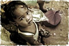 lost but not totally (i am jumskie) Tags: poverty kids valentines qc gmac payatas fcpp flickristasindios desertfoxshooters kristianongpinoy jumelpinedachua