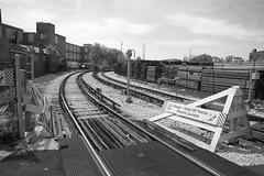 Curving Through Industries - CTA - Douglas Park Branch - Chicago, IL (themats1) Tags: train industrial cta blueline el transportation rails l chicagoil rapidtransit pinkline douglasparkbranch