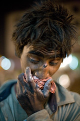 IMG_1816 Chemical dreams (Swiatoslaw Wojtkowiak) Tags: portrait india vertical canon asia glue artificial drug 5d addiction indien addict jaipur rajasthan chemical inde  narcotic