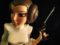 Leia (,,,^..^,,,) Tags: canon toys starwars powershot princessleia leia canonpowershot gentlegiant canonpowershotsd1100is