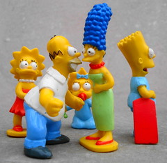 The Simpsons: La Familia Amarilla (Srch) Tags: family colors yellow familia toys amarillo thesimpsons juguetes bartsimpson lisasimpson margesimpson monitos maggiesimpson lossimpsons homerosimpson mywinners colorfullaward