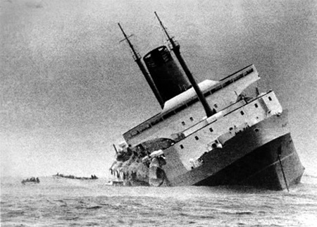 The Wahine as it was beginning to sink, 10 April 1968