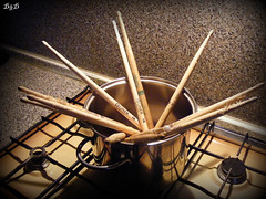 sticks in pot (D'n'D ) Tags: kitchen sticks fuji pot finepix fujifilm rods cucina s800 bacchette pentola casseruola dazzlingshots s5800 flickrbestpics