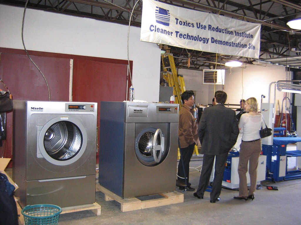TURI Wet cleaning demonstration