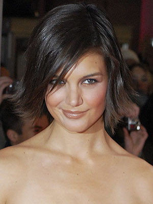 Katie Holmes straight choppy flip bob hairstyle(photo)