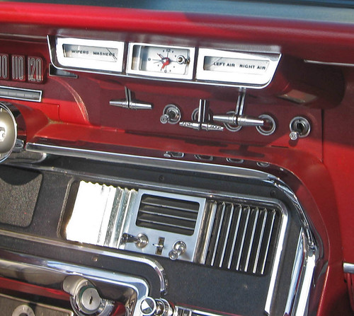 1965 Ford Thunderbird console