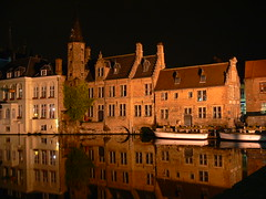 Bruges reflections (Franco La Barbera) Tags: water night reflections mirror agua nightshot acqua reflexions riflessi specchio notturno challengeyouwinner flickrgt anticando qualitypixels mtrtrophyshot