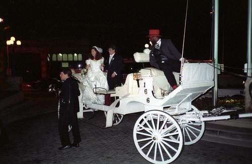 2899272382 4be6cbeb55 Matrimoni originali: a Cassinetta gli sposi comandano, il sindaco obbedisce