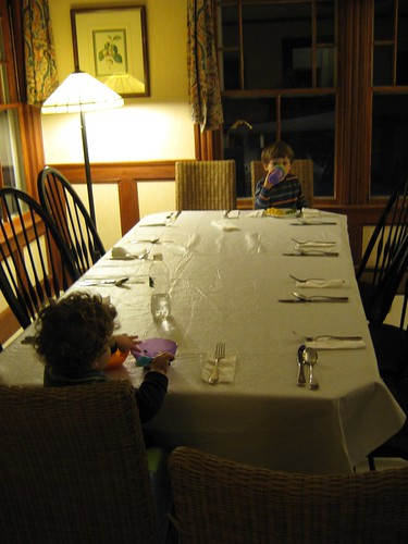 Child Dining by Flickr user GlennFleishman