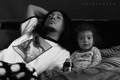 pelicula 1 (nezua) Tags: blackandwhite tv tshirt fatheranddaughter watchingamovie
