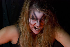 animal instinct - Hileri Elizabeth (Doug S photo) Tags: portlandoregon hauntedhouse screamatthebeach pdxstrobist hilerielizabeth pdxstrobist1008 modelmayhem785815