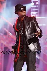 neyo on stage