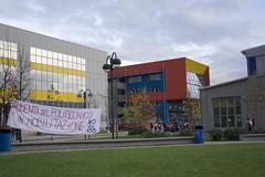 bovisa riot (To/\/\/\/\i) Tags: 350d riot milano 133 politecnico manifestazione bovisa striscione riforma gelmini