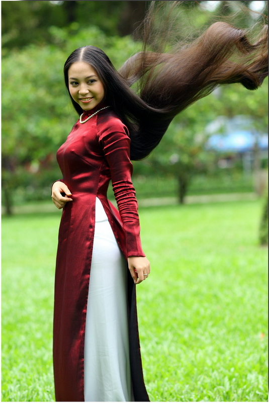 Vietnamese Long Dress with long hair — Digital Grin Photography Forum