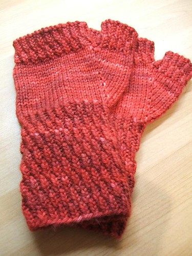 Berry Hill mitts in Buttersoft DK