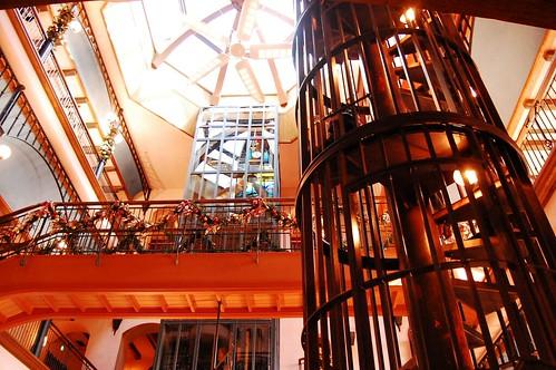 Techo interior museo Ghibli