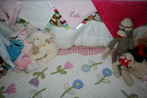 CRIB BEDDING AND ANIMALS