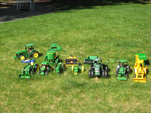 A Variety of John Deere Collectibles c9084f0b2