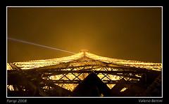 Paris - A different view of the Eiffel Tower (bettola) Tags: paris tour tokina1224 eiffel tokina toureiffel notte nigth 1224 parigi ligths illmuniata