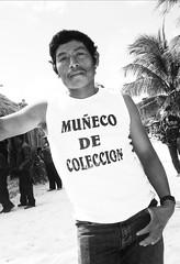 muñeco de torta (quino para los amigos) Tags: black shirt self mexico funny humor playadelcarmen bn moustache mexican cantinflas gringo bizarro remera gracioso cartele musculosa muscu bigotón muñecodecoleccion