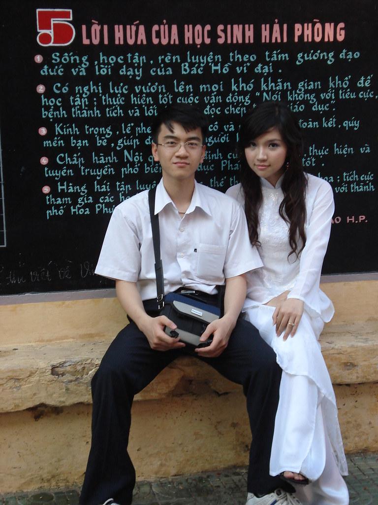 Nữ sinh và áo dài Việt Nam