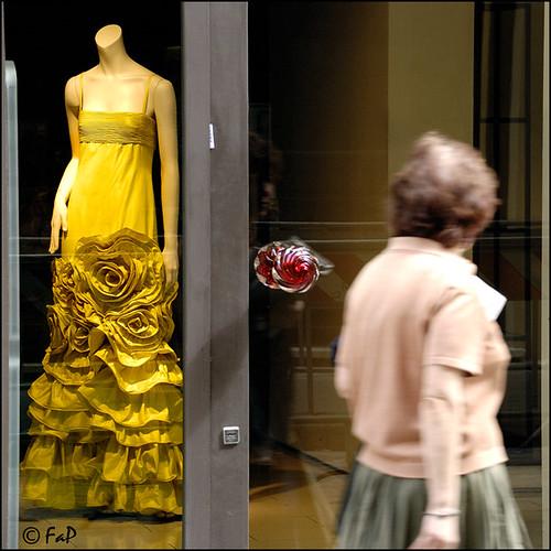 Jennifer Love Hewitt Yellow Red Carpet Dress 2009 Emmy Awards
