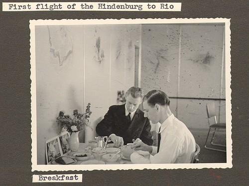 Primer vuelo del Hindenburg a Rio- desayuno